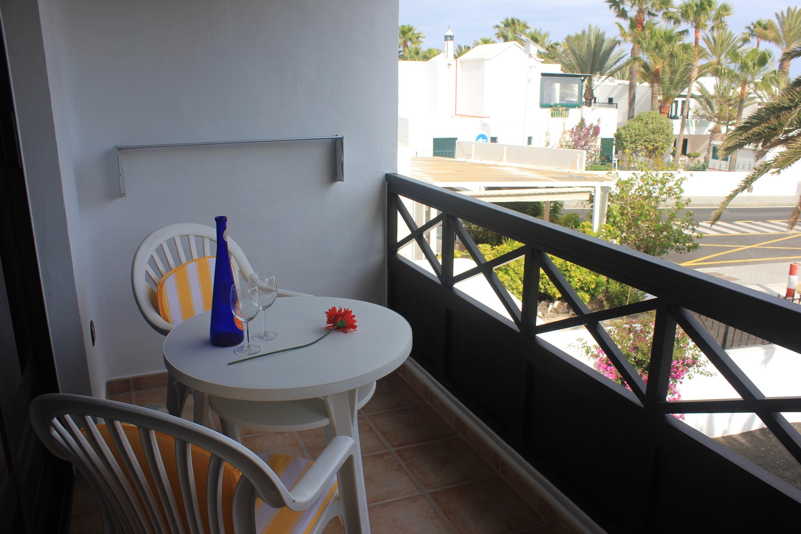 LVC235245 Balcony