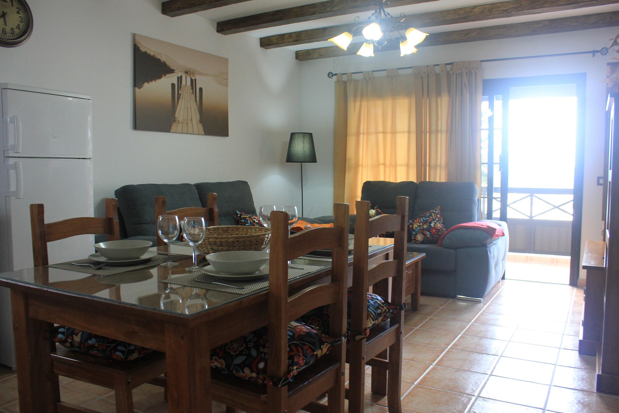 LVC235245 Dining area