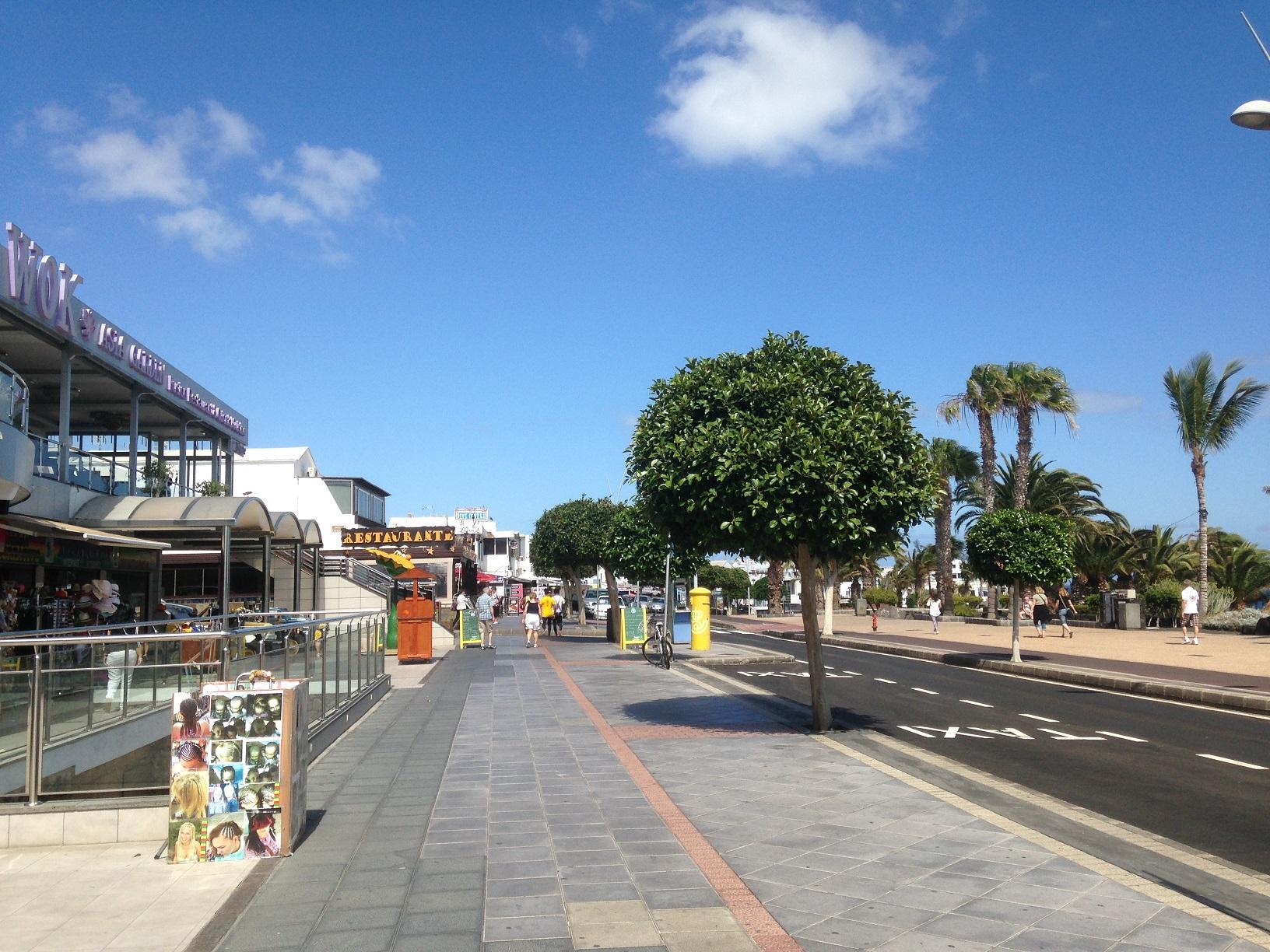 LVC235245 Seafront Promenade