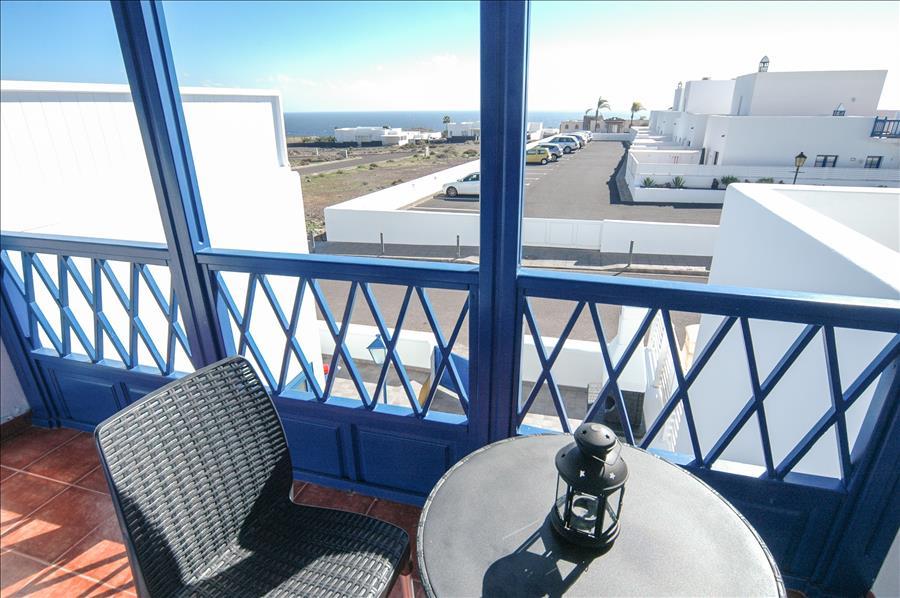 Apartment LVC261005 balcony with sea views