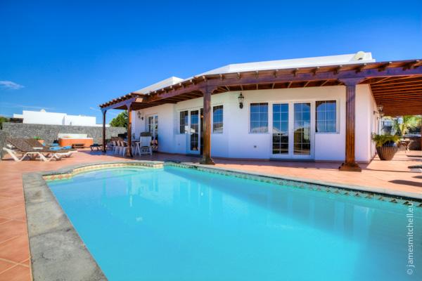 LVC196687 villa and pool