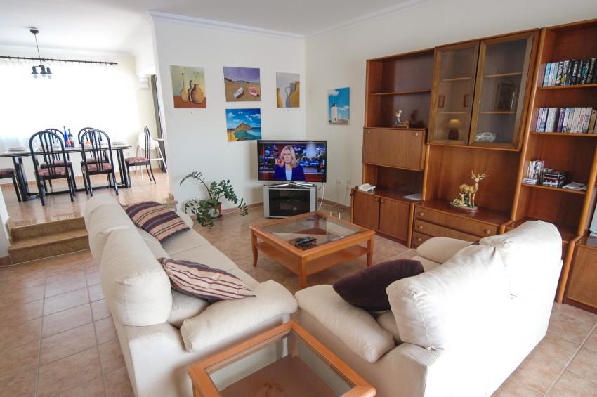 LVC196693 Living area