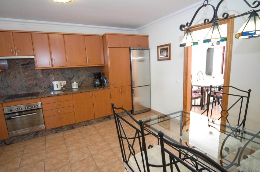 LVC196693 Spacious Kitchen