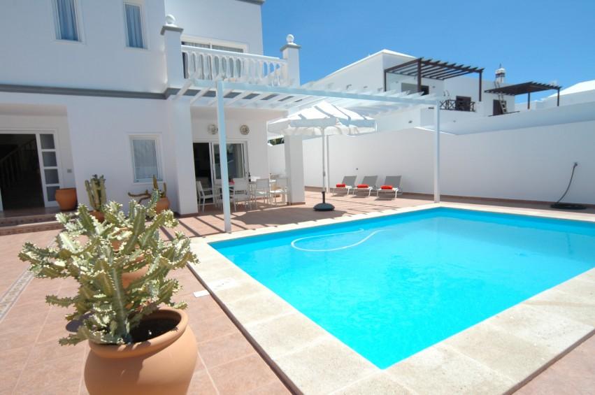 LVC196693 Villa and solar heated pool