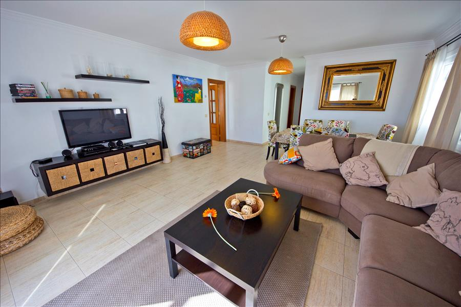 LVC196728 Living room