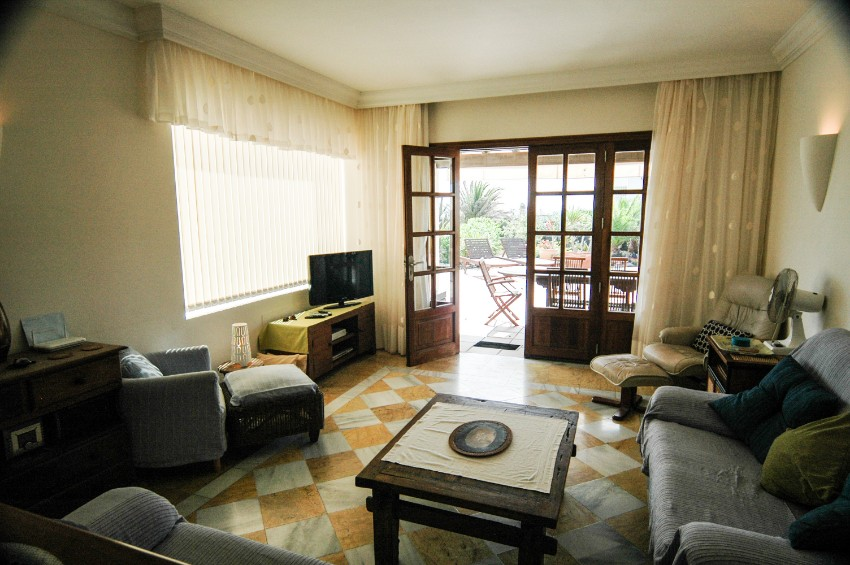 LVC197470 Living room