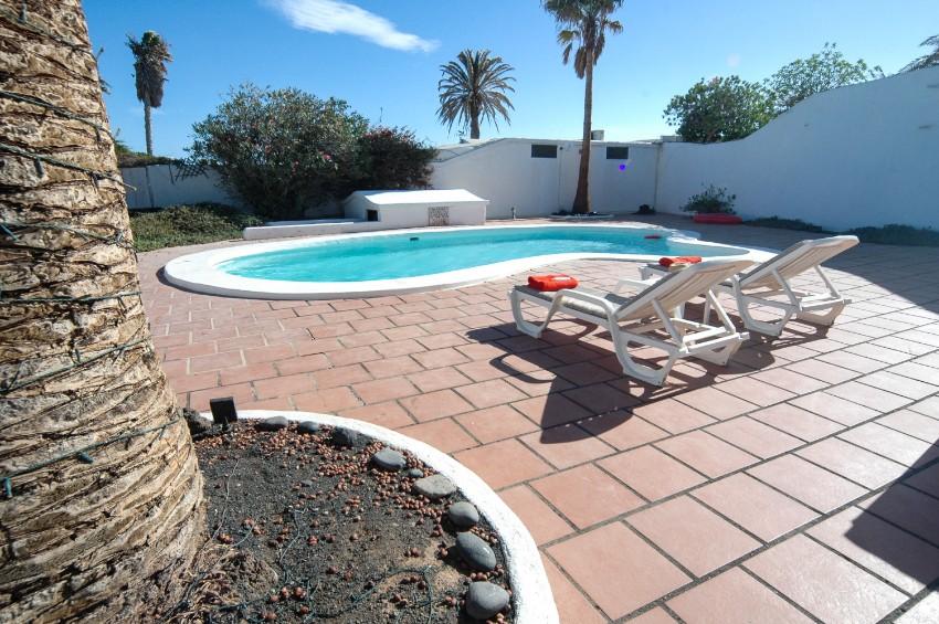 Villa LVC197473 Bespoke shape pool