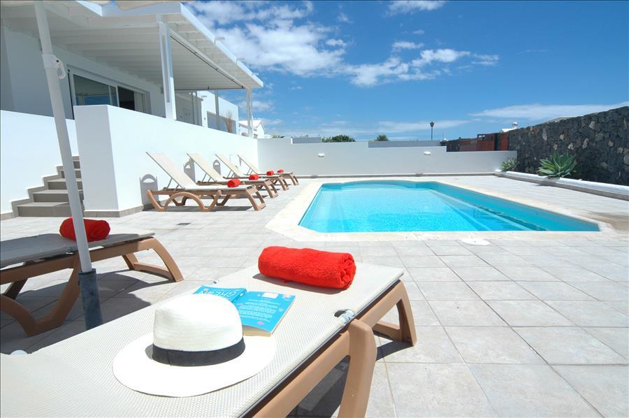 LVC198331 3 bed villa in Puerto Calero