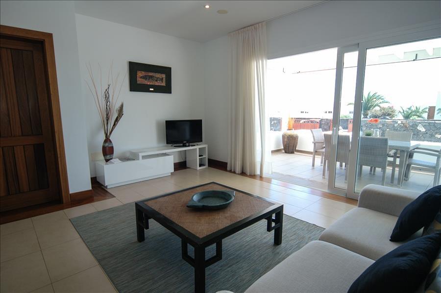 LVC198331 living room
