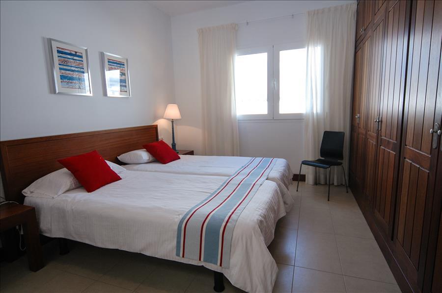 LVC198331 double bedroom