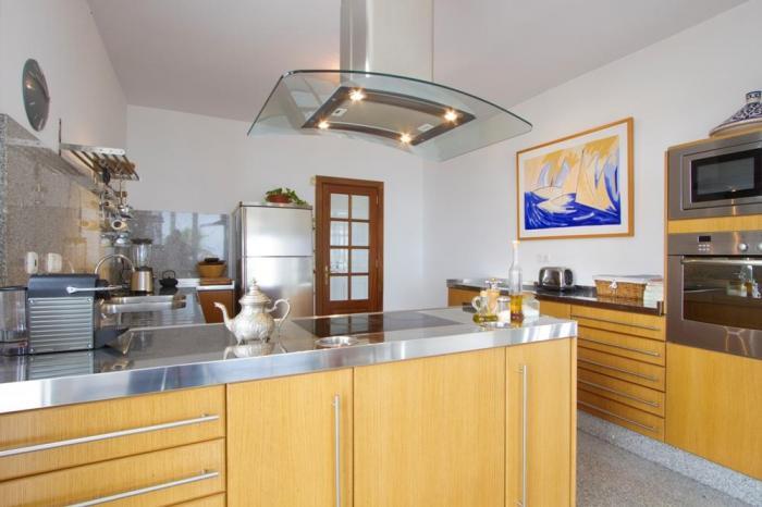 Villa LVC198365 Modern kitchen with plenty of space