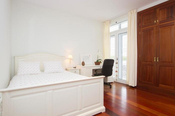 Villa LVC198365 Double bedroom with patio doors