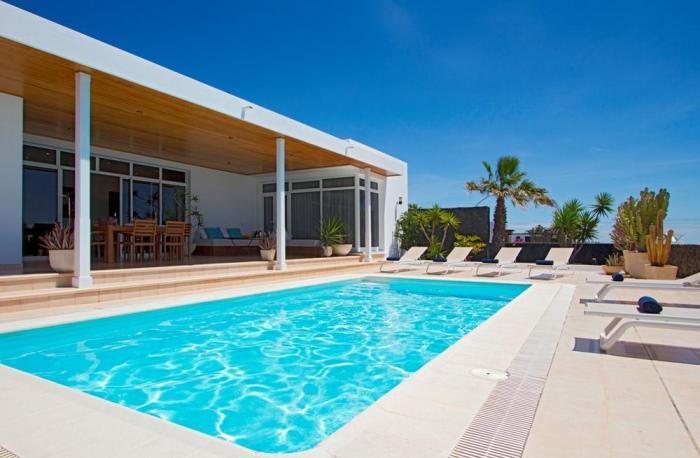 Villa LVC198365 Sun terraces for relaxation