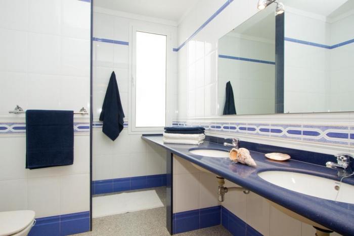 Villa LVC198365 Bathroom with twin washbasins