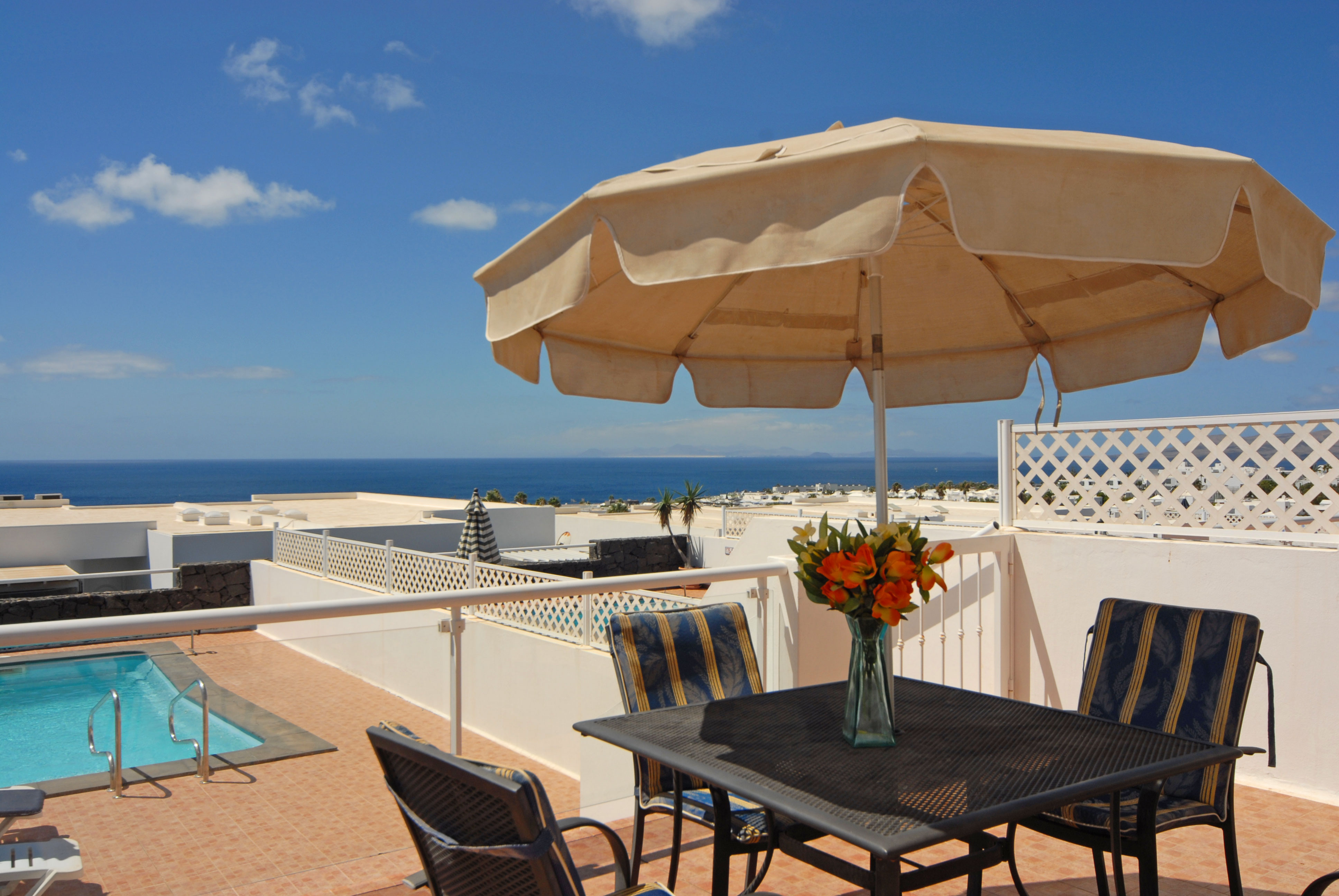 Puerto del Carmen Holiday Villa with fantastic views