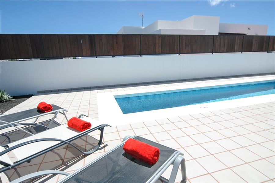 Villa LVC198549 Sunbathing around the private swimming pool