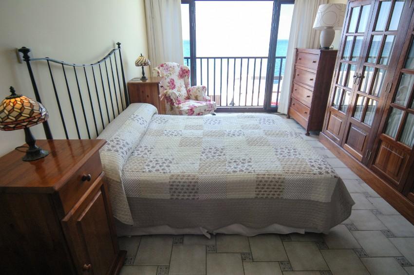 Villa LVC198554 Double bedroom with sea views