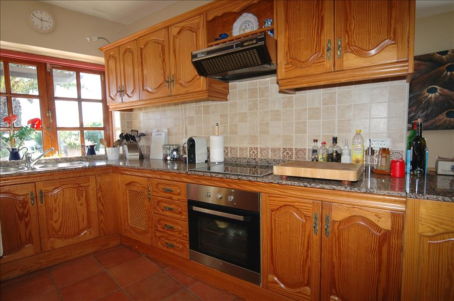 Villa LVC198622 Fitted kitchen with mod cons
