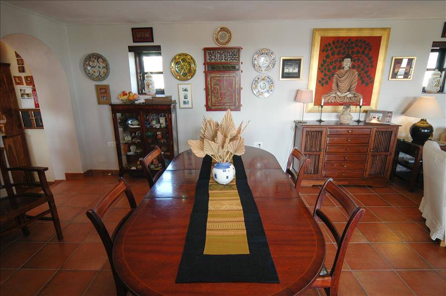 Villa LVC198622 Dining table in lounge