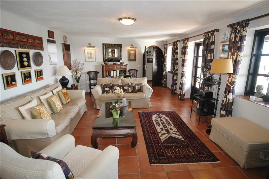 Villa LVC198622 Beautifully furnished lounge