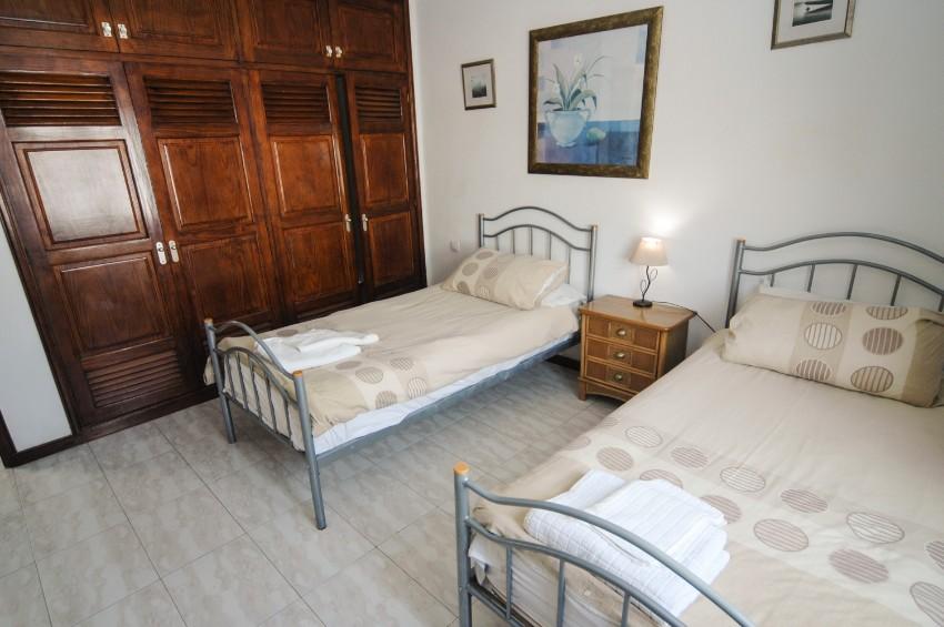 LVC200581 Twin bedroom
