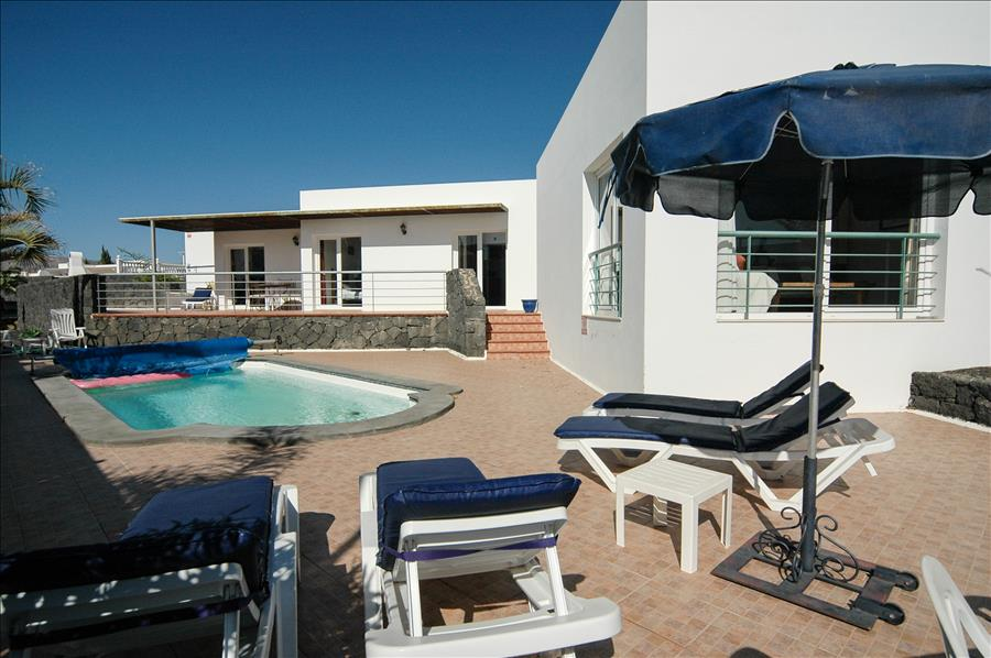 LVC200582 Villa with heated pool