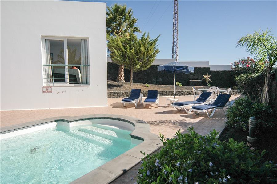LVC200582 Private pool