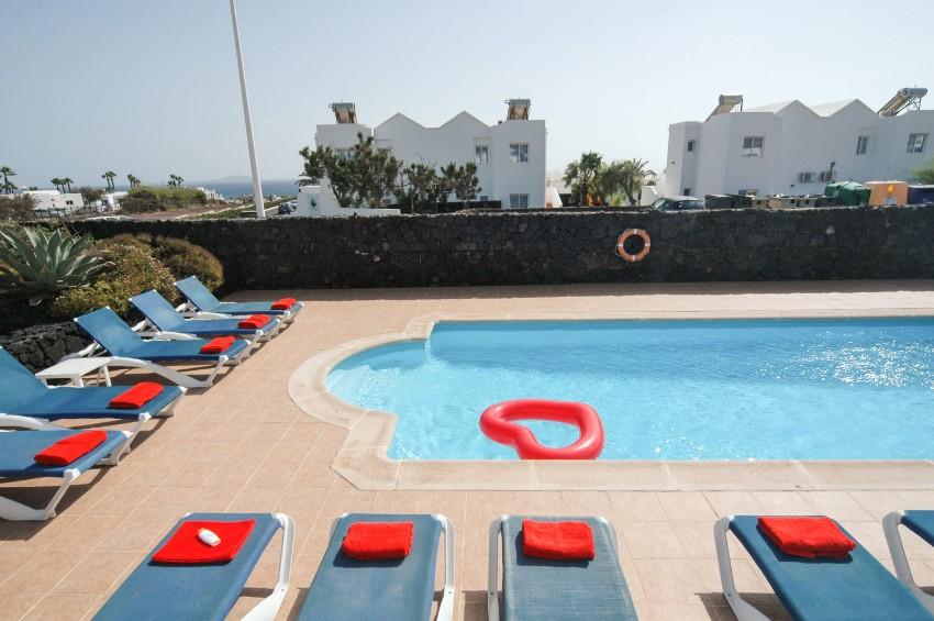 LVC200823 sea views frm terrace
