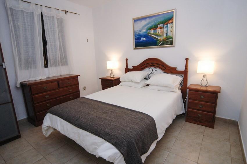 LVC200823 double bedroom