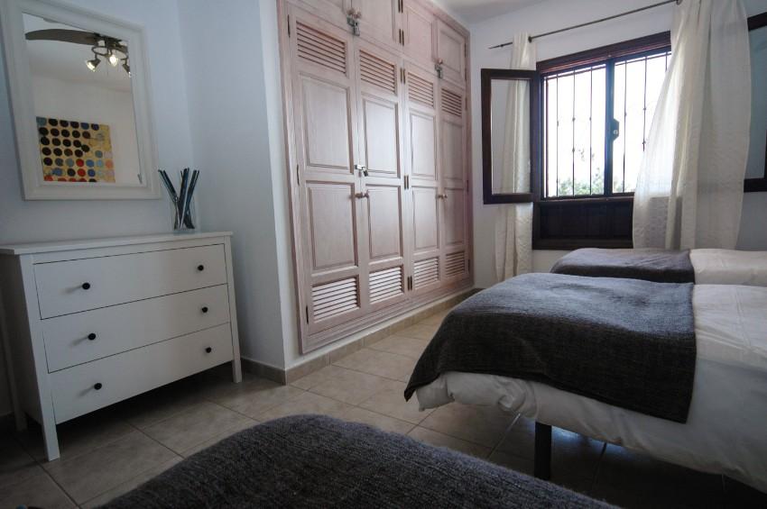 LVC200823 triple bedroom
