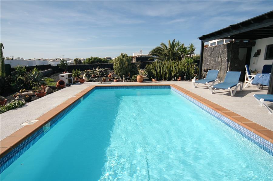 Villa LVC200843 Playa Blanca holiday let
