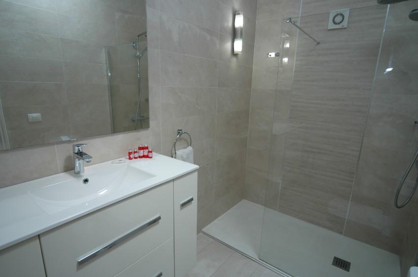 Villa LVC200850 En suite with walk in shower