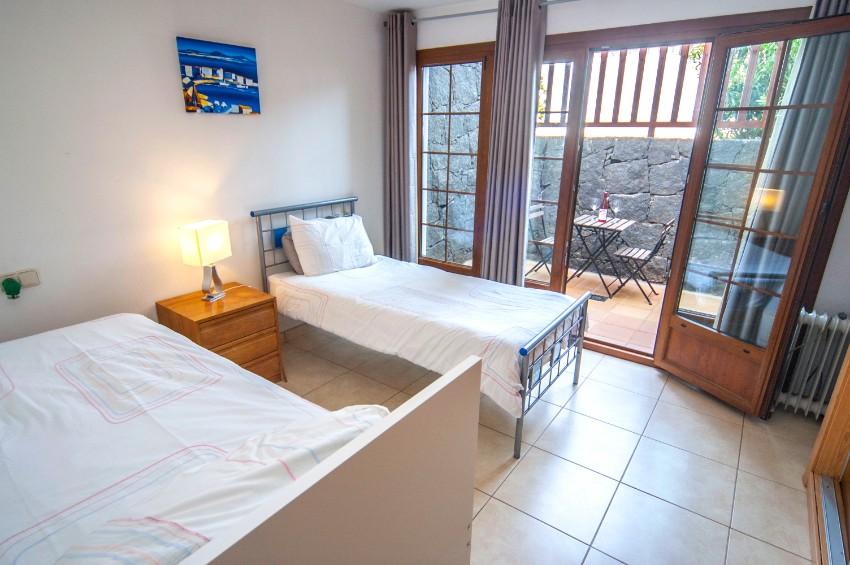 Villa LVC202786 Bedroom with terrace doors