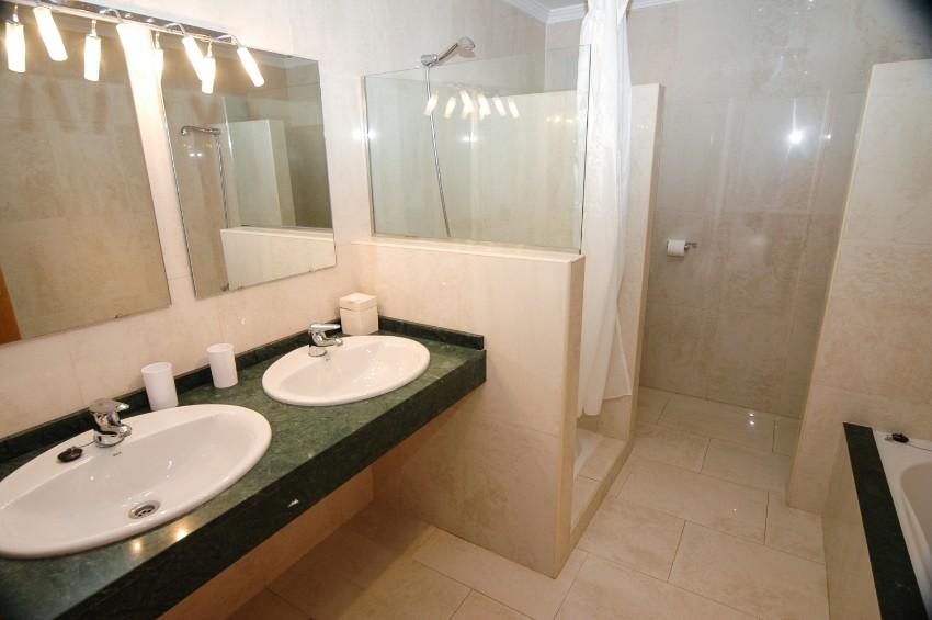 Villa LVC202786 Twin basins