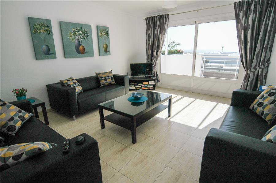 Villa LVC204213 Lounge with patio doors to terrace