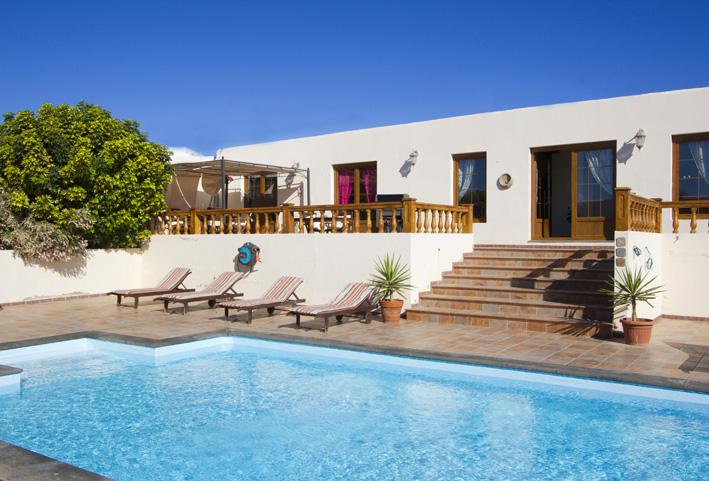 Villa LVC211088 4 Bedroom Villa in Nazaret