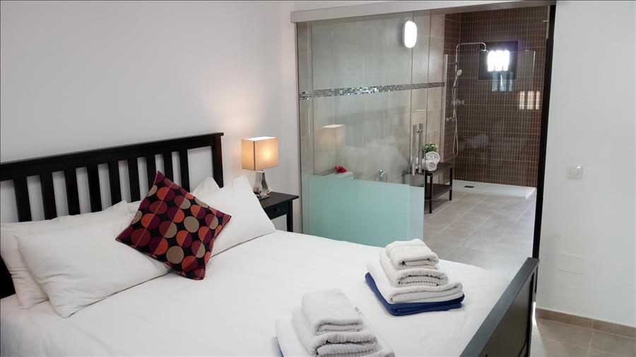 LVC215921 Bedroom with en suite