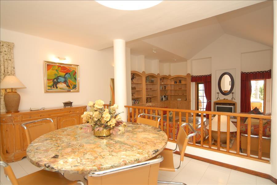 LVC215921 Dining Area