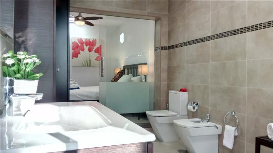 LVC215921 Bathroom