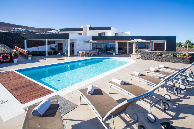 Villa LVC216123 5 bedroom Playa Blanca Villa