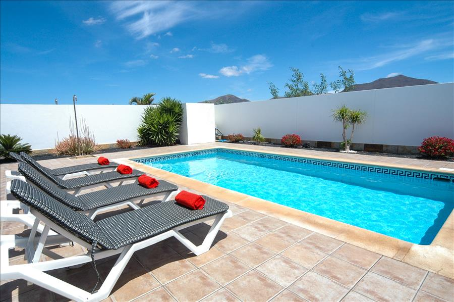 LVC227772 Lanzarote holiday Villa with private pool