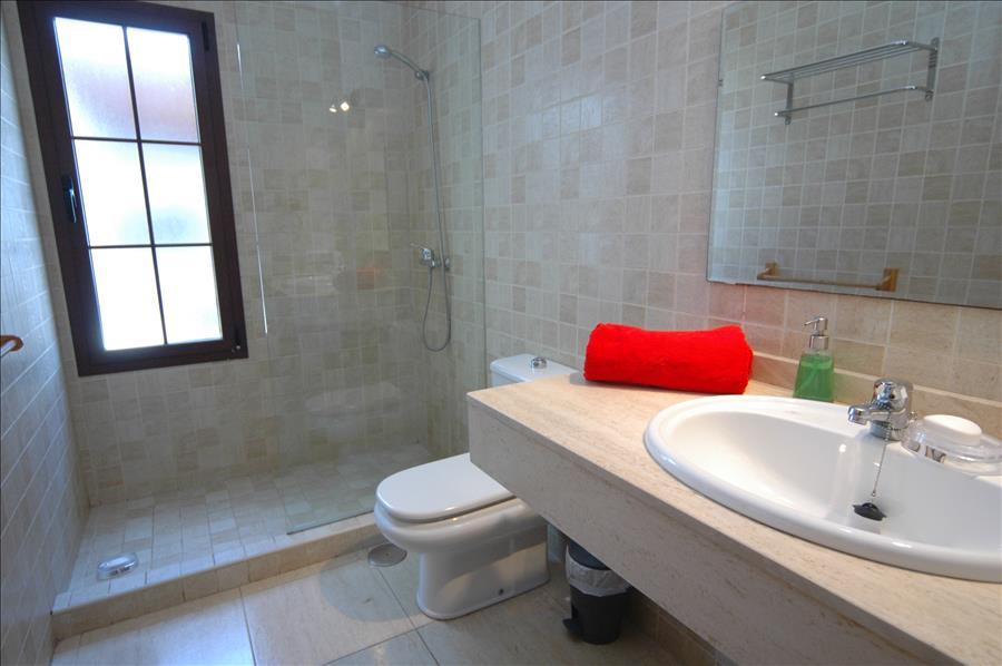 LVC227772 Separate Shower room