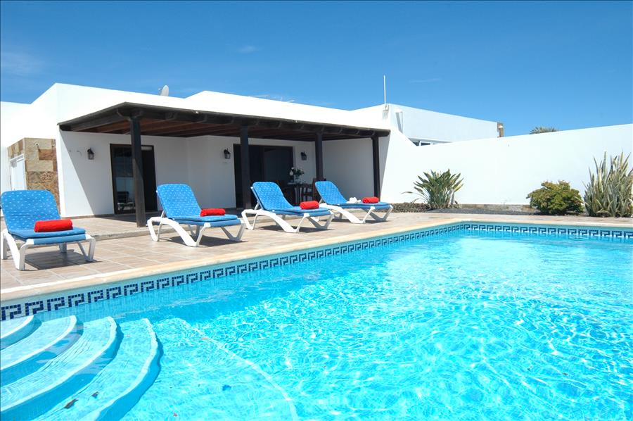 LVC227773 Relax round the pool on your Lanzarote holiday