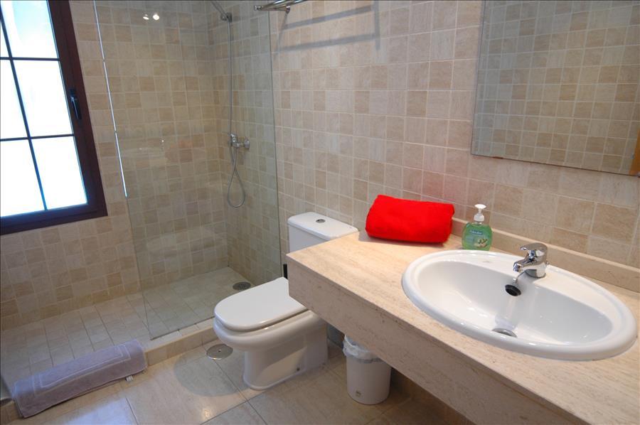 LVC227855 Separate shower room