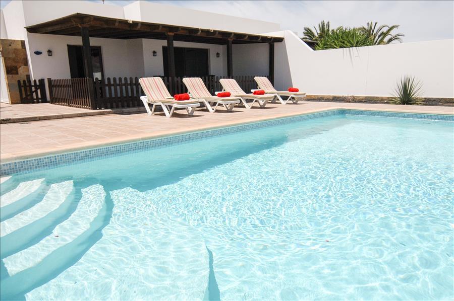 LVC228143 3 bed villa in Playa Blanca