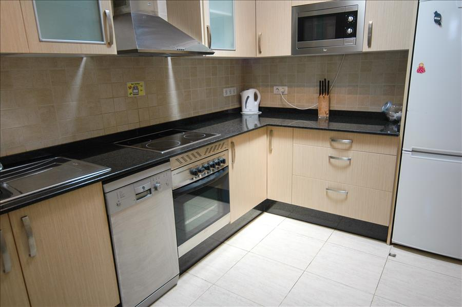 LVC228143 Spacious kitchen