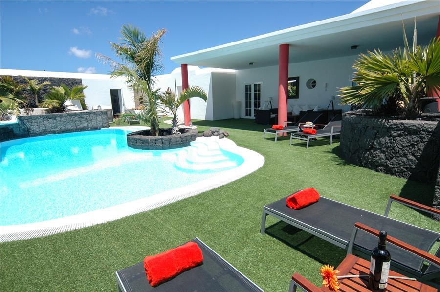 Villa LVC230884 Sunbeds for relaxing