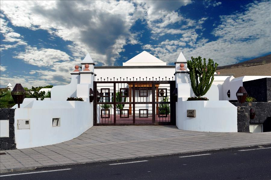 Villa LVC230884 Private parking