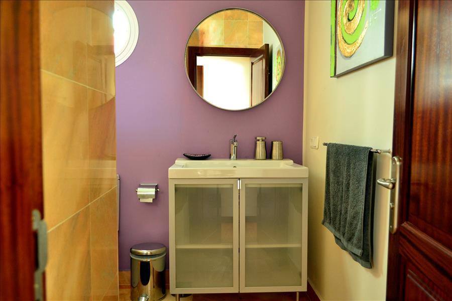 Villa LVC230884 Modern bathroom