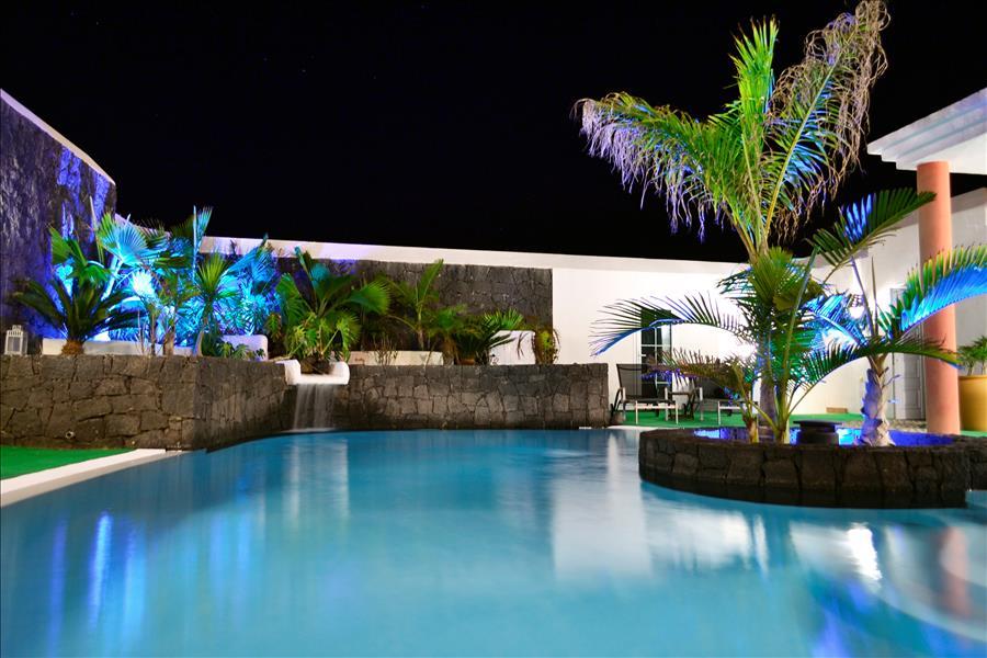 Villa LVC230884 Night time